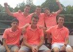 Die erfolgreiche Juniorenmannschaft des TCMK h.l. Luca Huber, Noah Wallace, Felix Dunger v.l. Horacio Vercher-Gieseler, Max Dunger und Marvin Griener – es fehlt Paul Gorbach